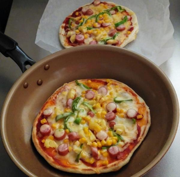 フライパンで手作りピザ