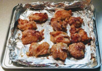 鶏の唐揚げをトースターで焼いた写真です