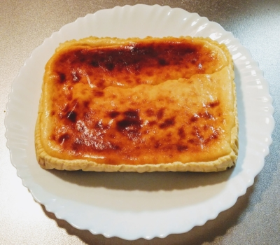 冷蔵庫で冷やしたベイクドチーズケーキ
