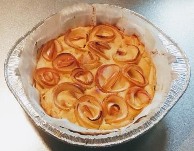 りんごと蜂蜜ケーキ焼き立て