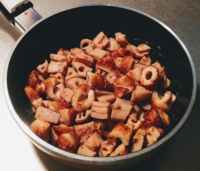 レンコンとちくわの煮物