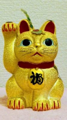 壊れてバラバラになった状態から復活したみず太郎のお気に入り招き猫ちゃん